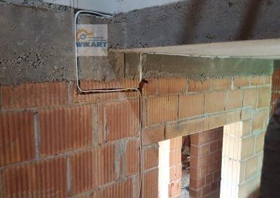 Bruzdowanie ścian i układanie przewodów (4)